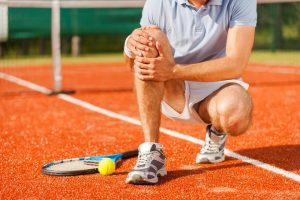 tennis-player-knee-sports-injury